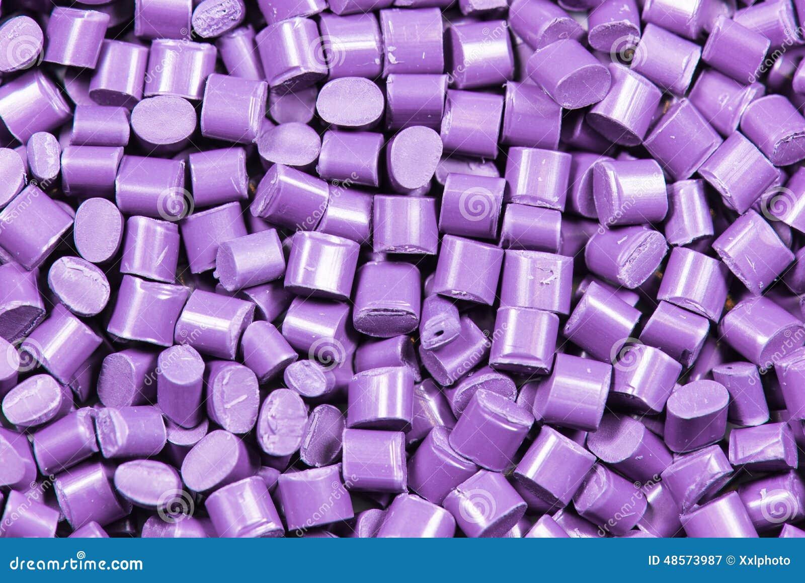 Purpurowy klingeryt granuluje wyrka