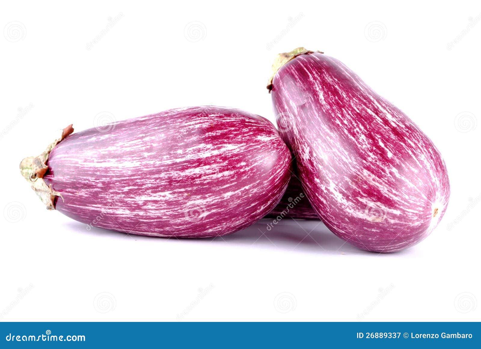 purpurrote gestreifte auberginen auf wei lizenzfreie stockfotografie bild 26889337. Black Bedroom Furniture Sets. Home Design Ideas
