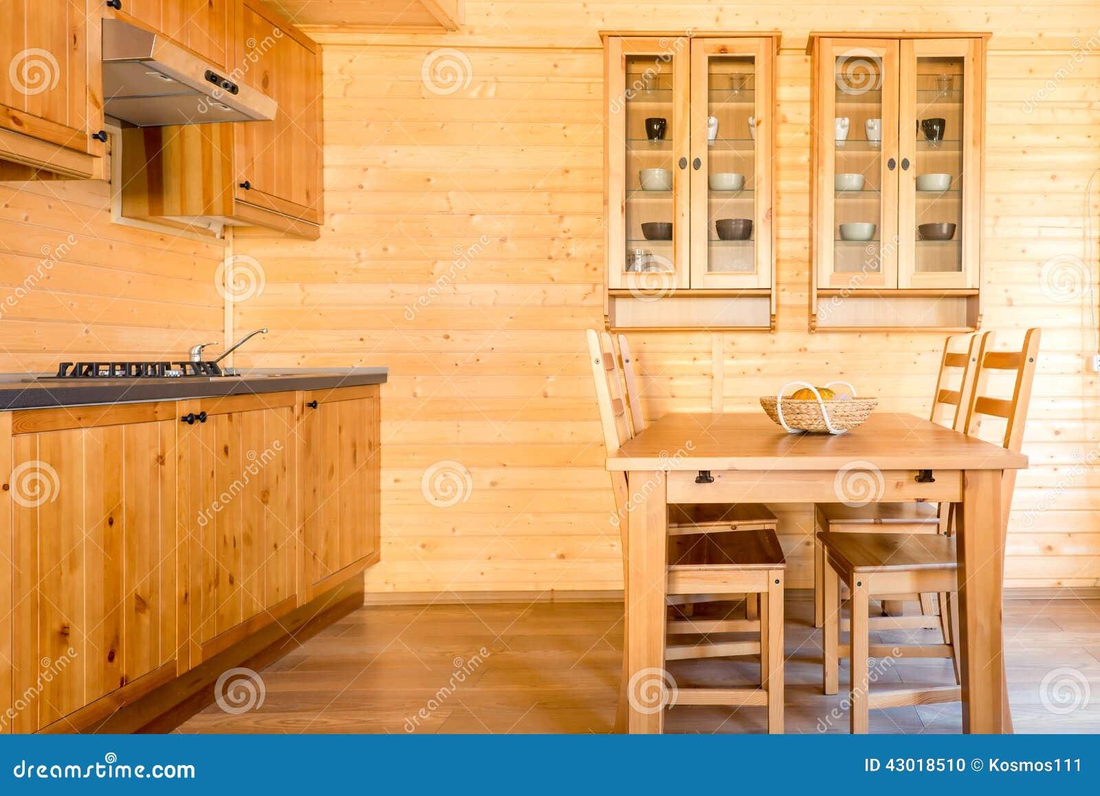 Pusta Kuchnia W Drewnianym Domu Zdjęcie Stock Obraz