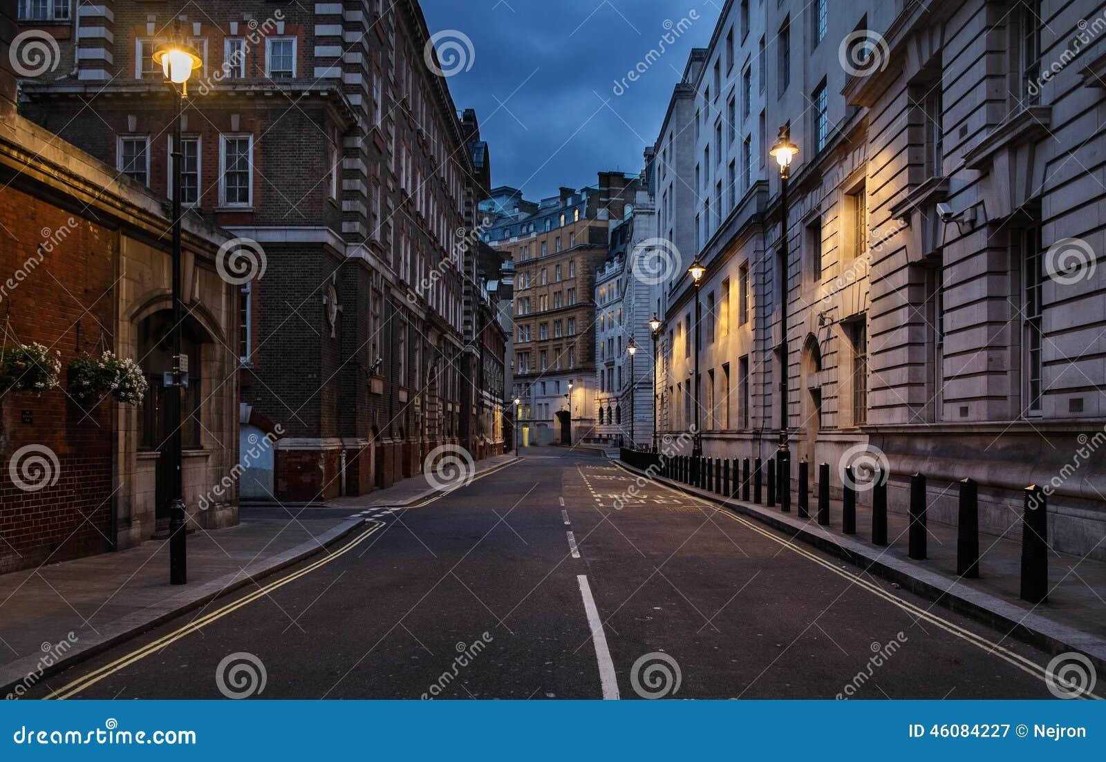 Pusta ulica Londyn