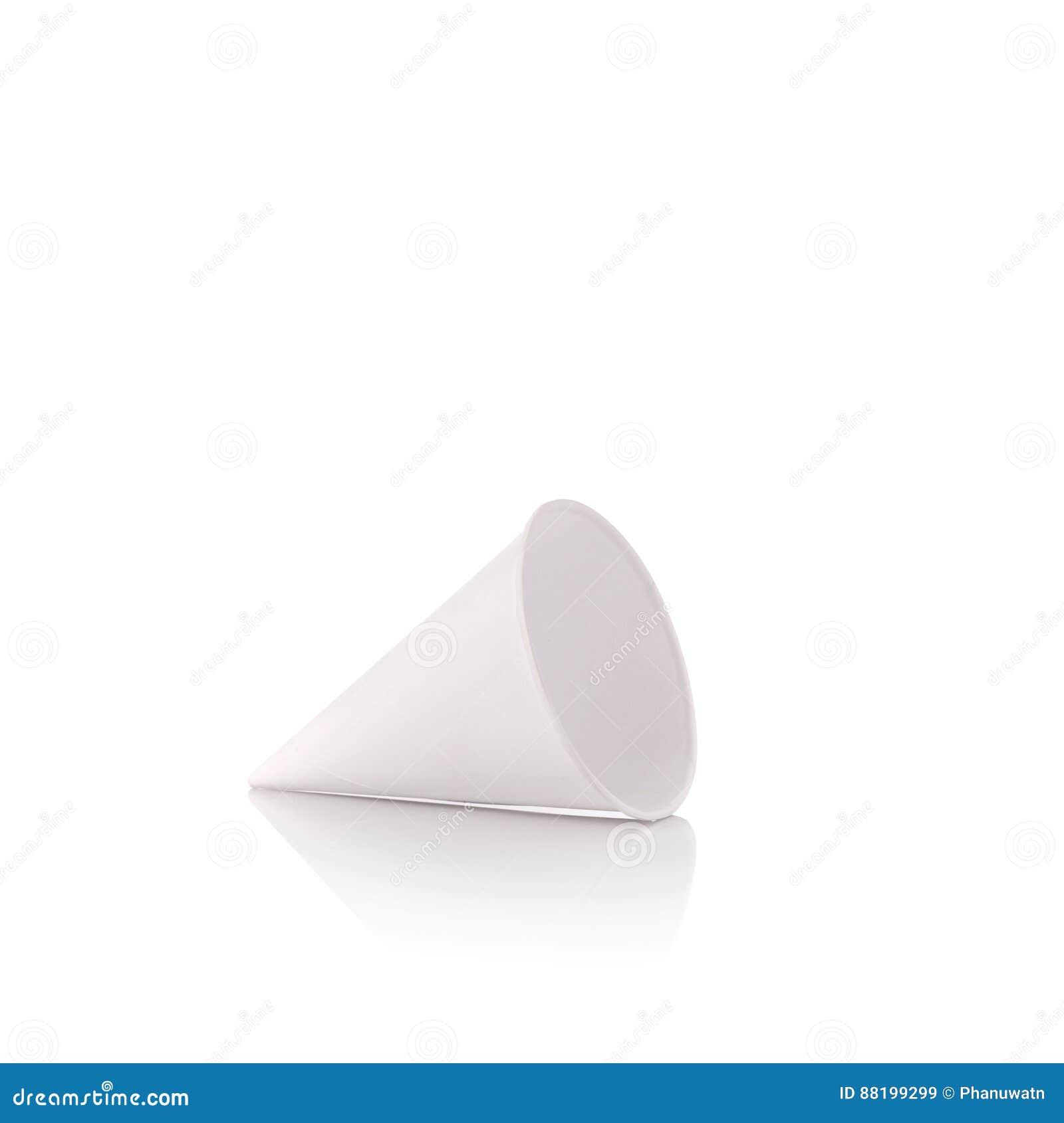 Pusty białego papieru rożek dla wodny pić Studio strzelający odizolowywającym