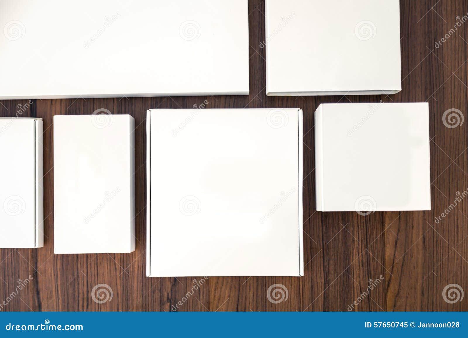 Pusty białego pudełka egzamin próbny up