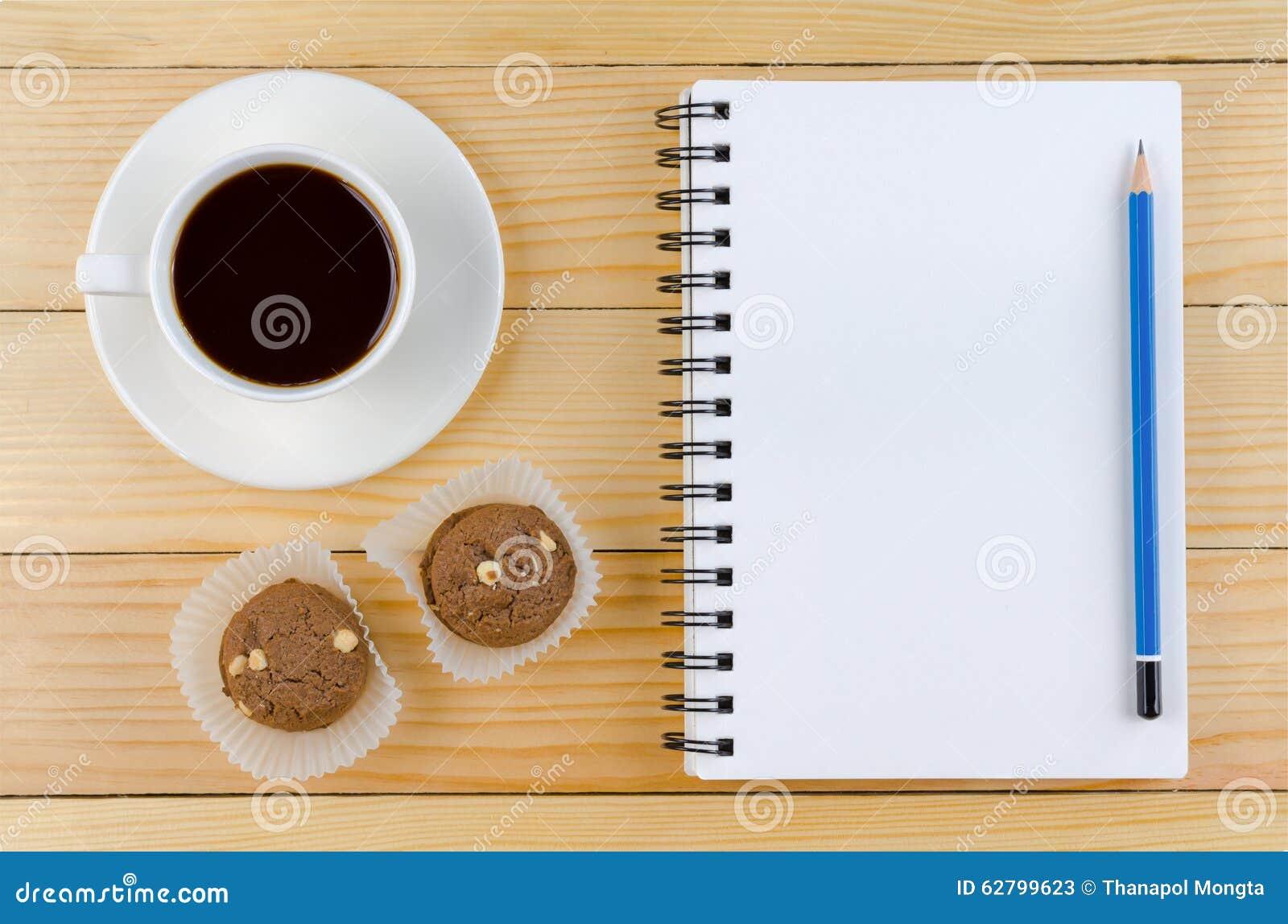 Pusty biały notatnik