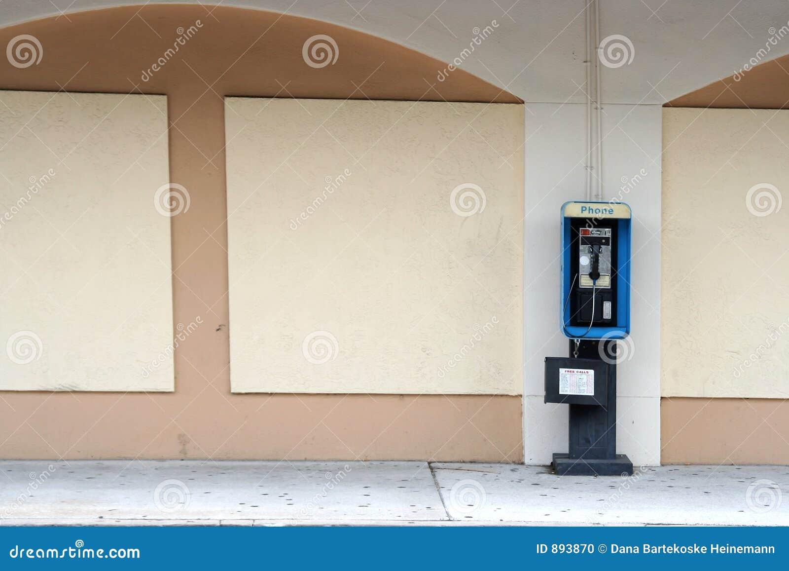 Pusty budki telefonicznej