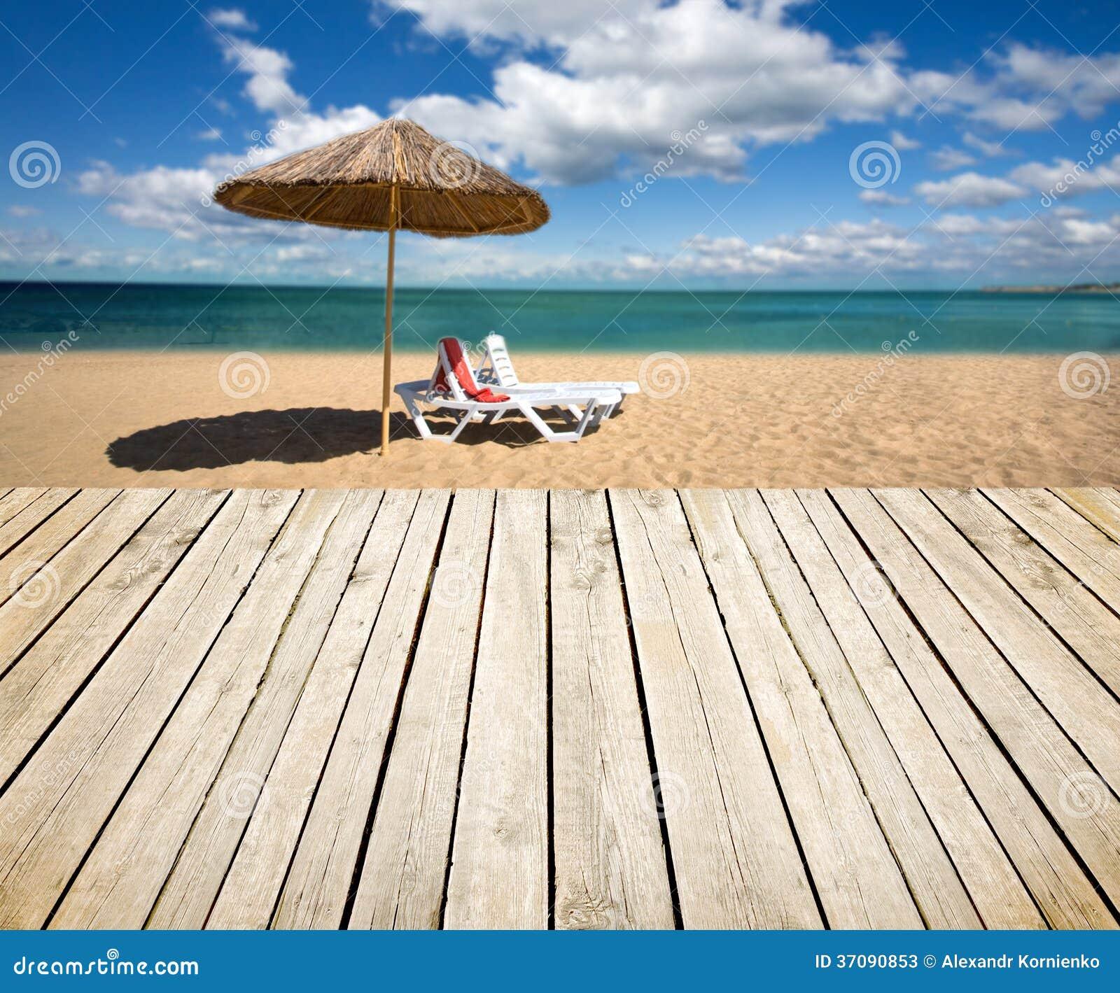 Download Pusty drewniany pokład obraz stock. Obraz złożonej z pusty - 37090853