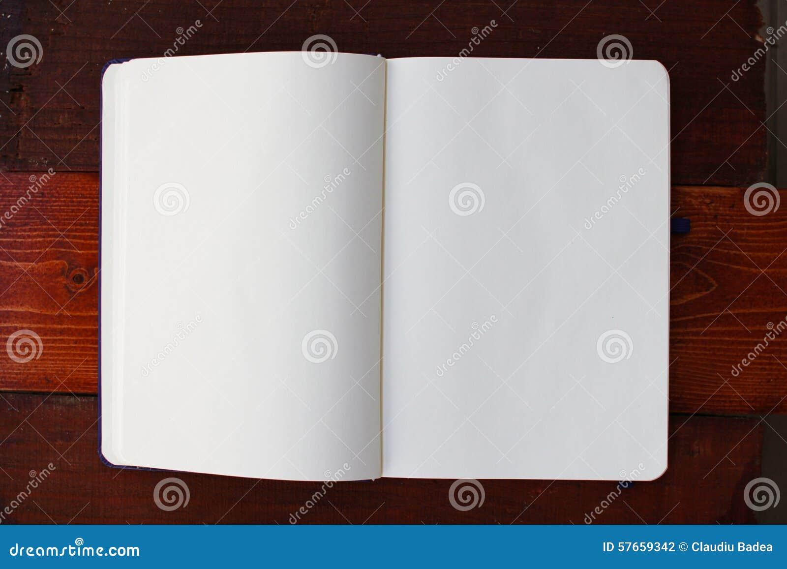 Pusty notatnik white