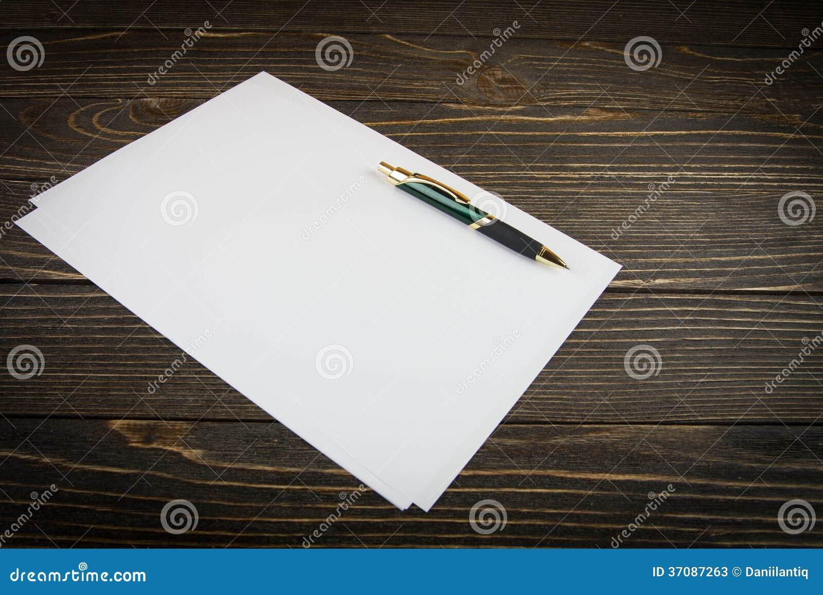 Download Pusty Nutowy Papier Z Piórem Ilustracji - Ilustracja złożonej z notepad, notatka: 37087263