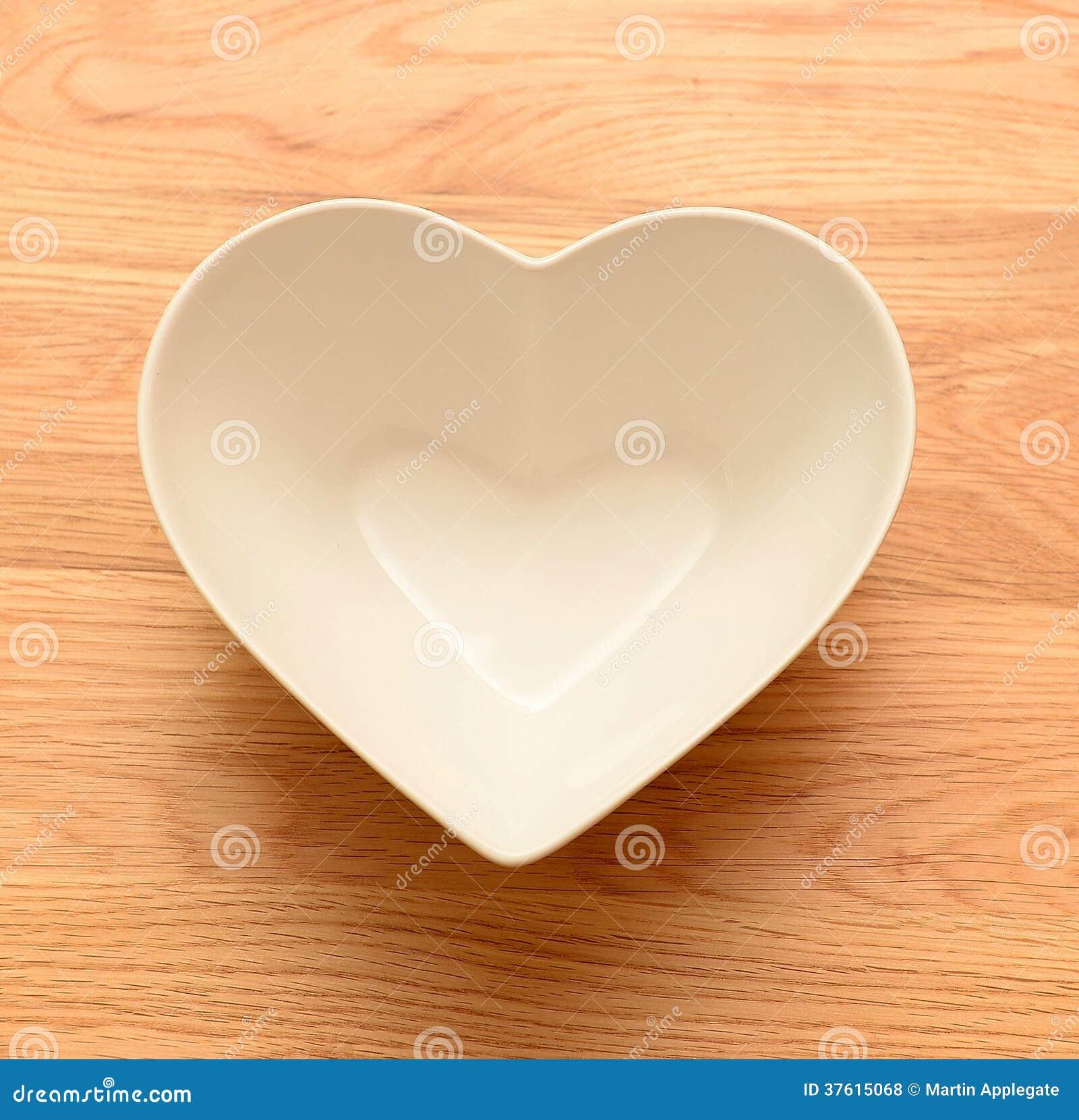 Pusty serce kształtujący puchar