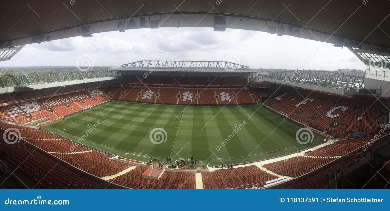 Pusty stadion futbolowy panoramy obrazek