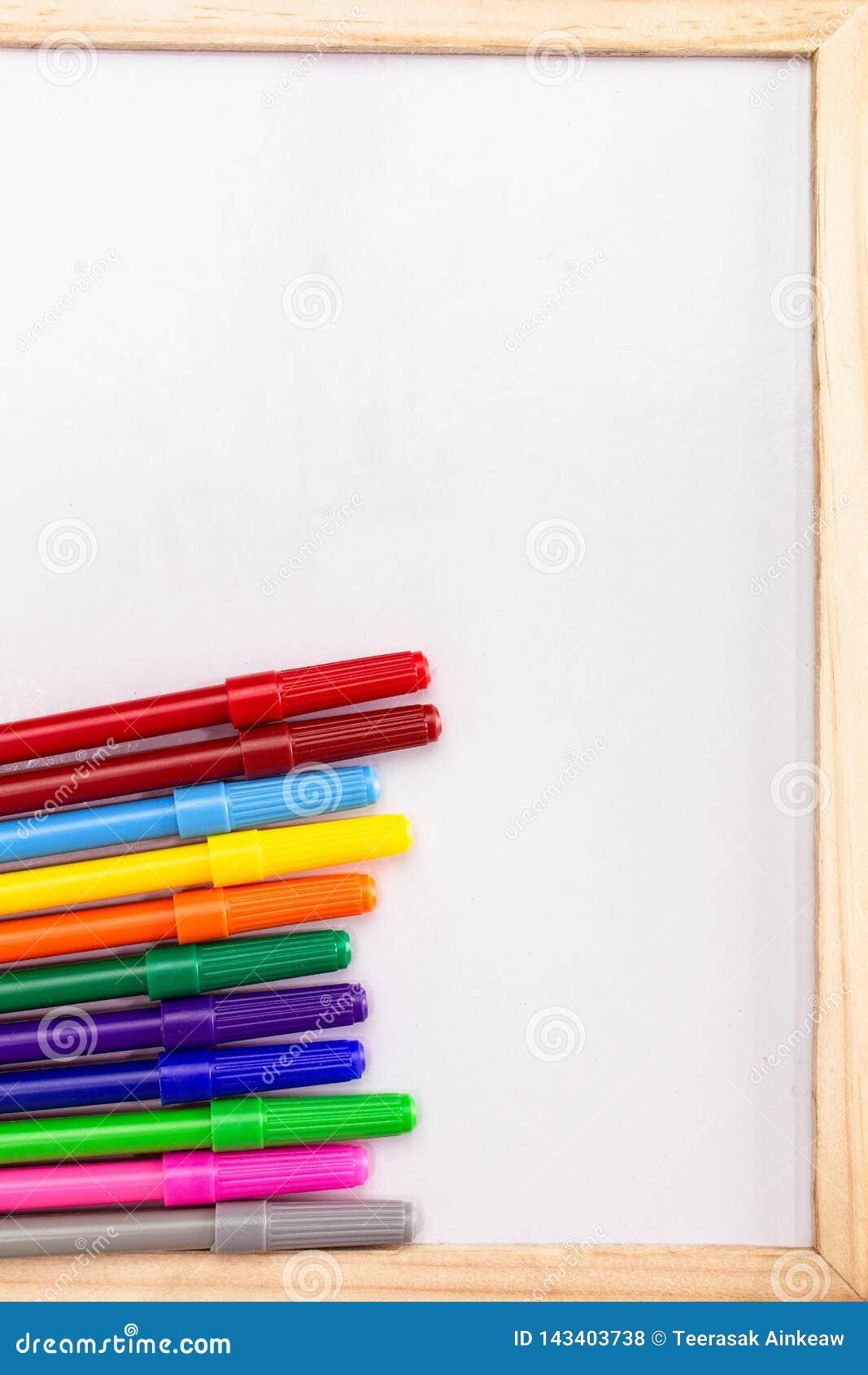 Pusty whiteboard i Magiczny koloru rząd Kopia Umieszczająca lub astronautyczna dla teksta