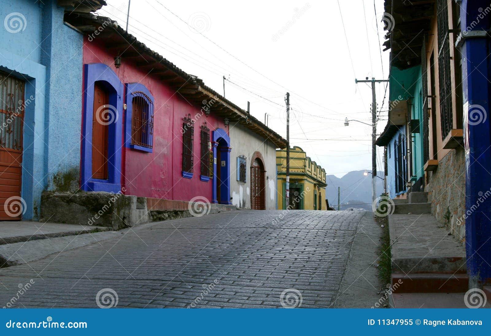 Pustych domów meksykańska ulica typowa