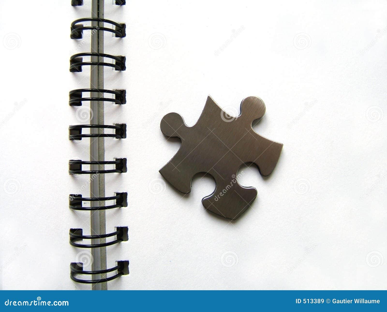 Puzzle metallico sul taccuino immagine stock immagine di - Collegamento stampabile un puzzle pix ...