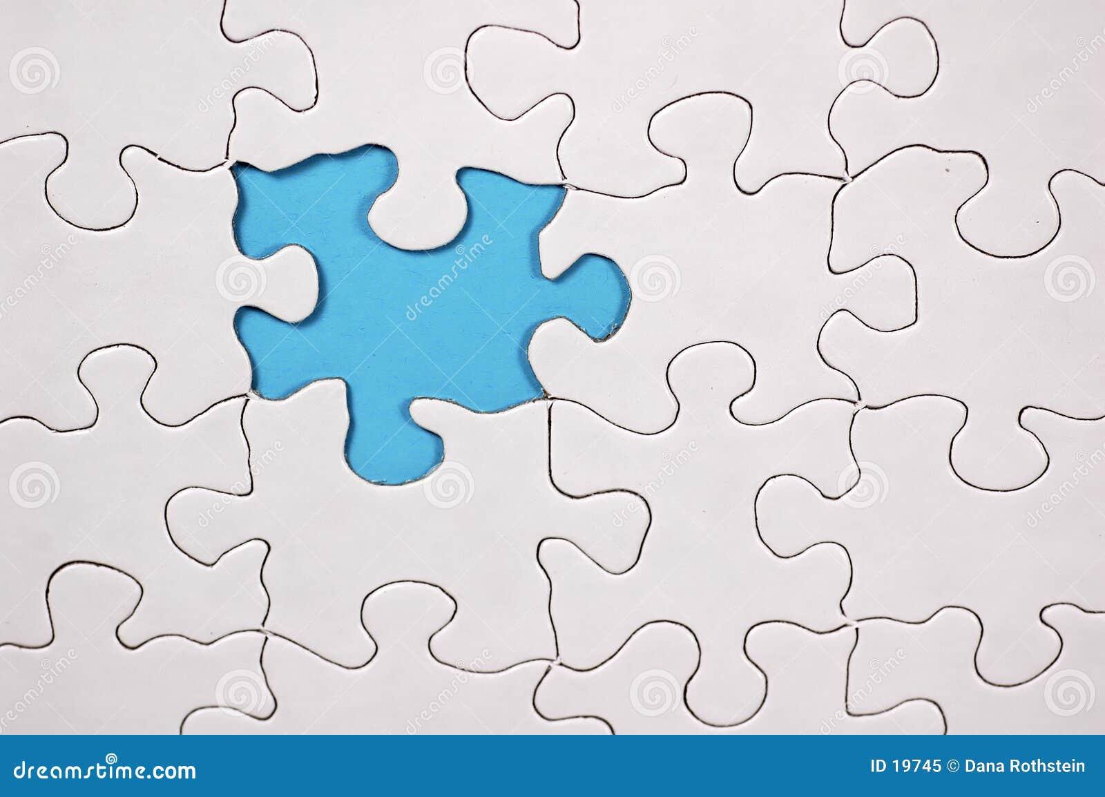 Puzzlespiel mit hellblauem Hintergrund
