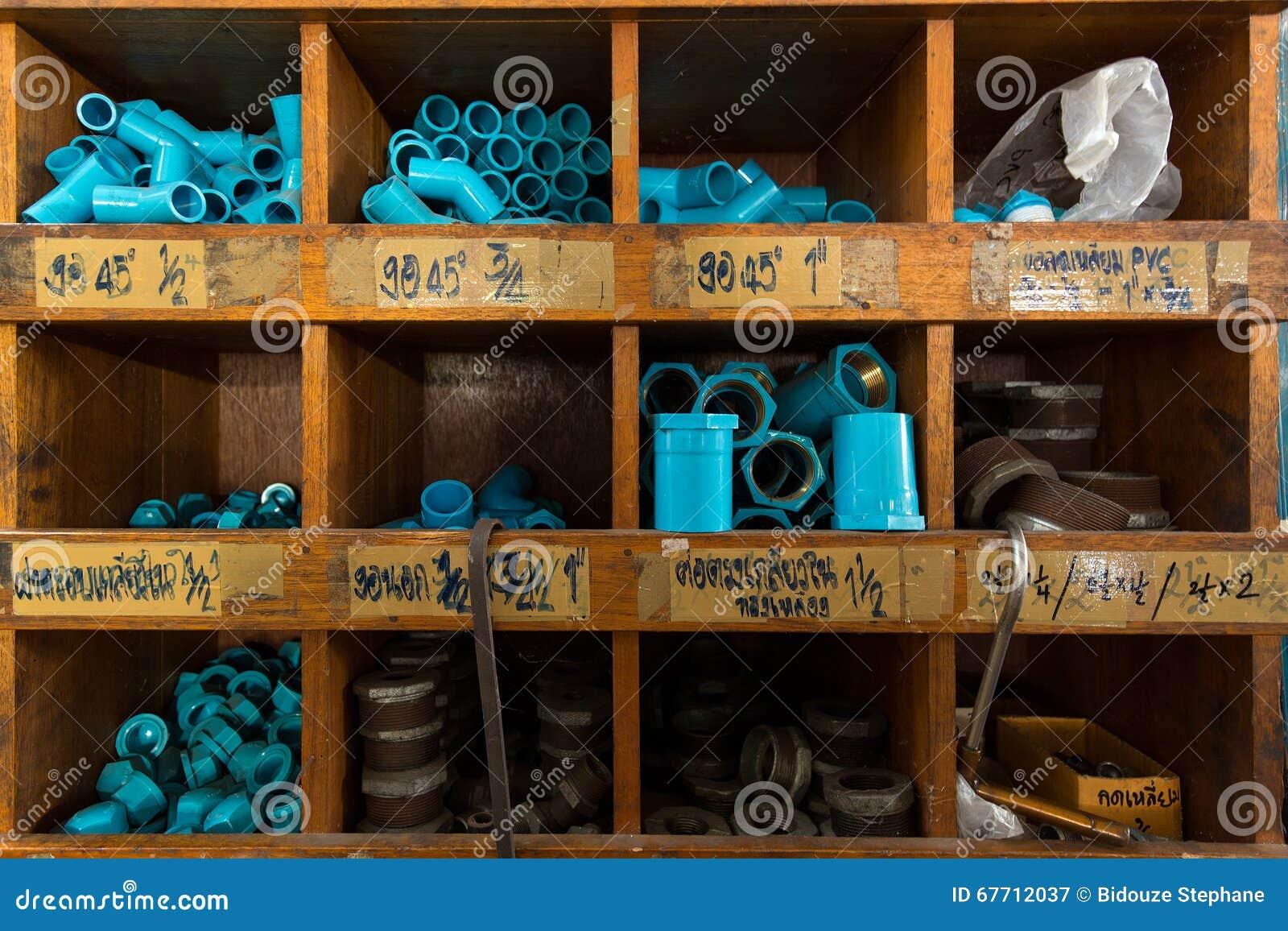 Pvc Planken In Diy Opslag Stock Afbeelding Afbeelding Bestaande Uit