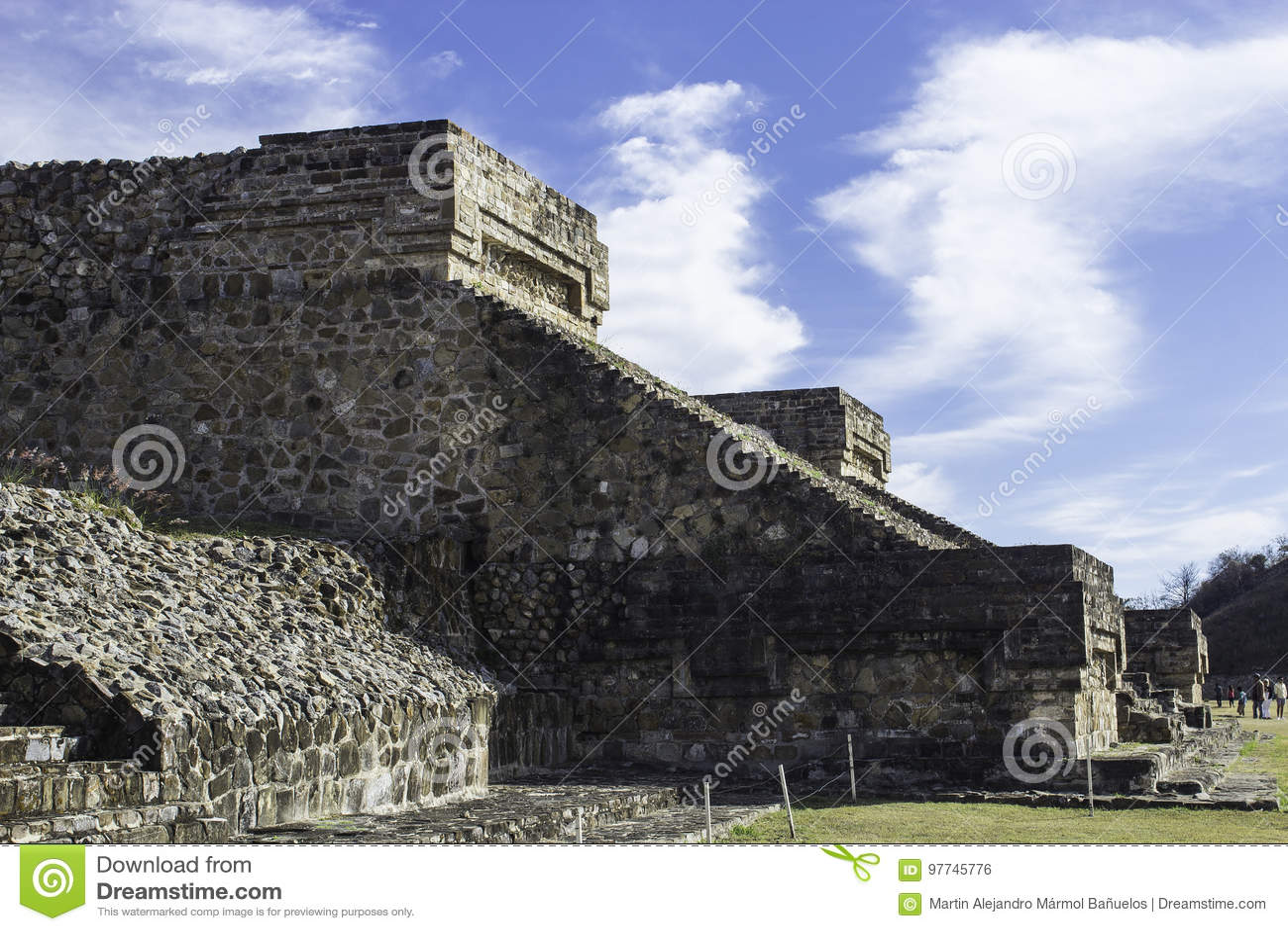 Pyramide d Alban