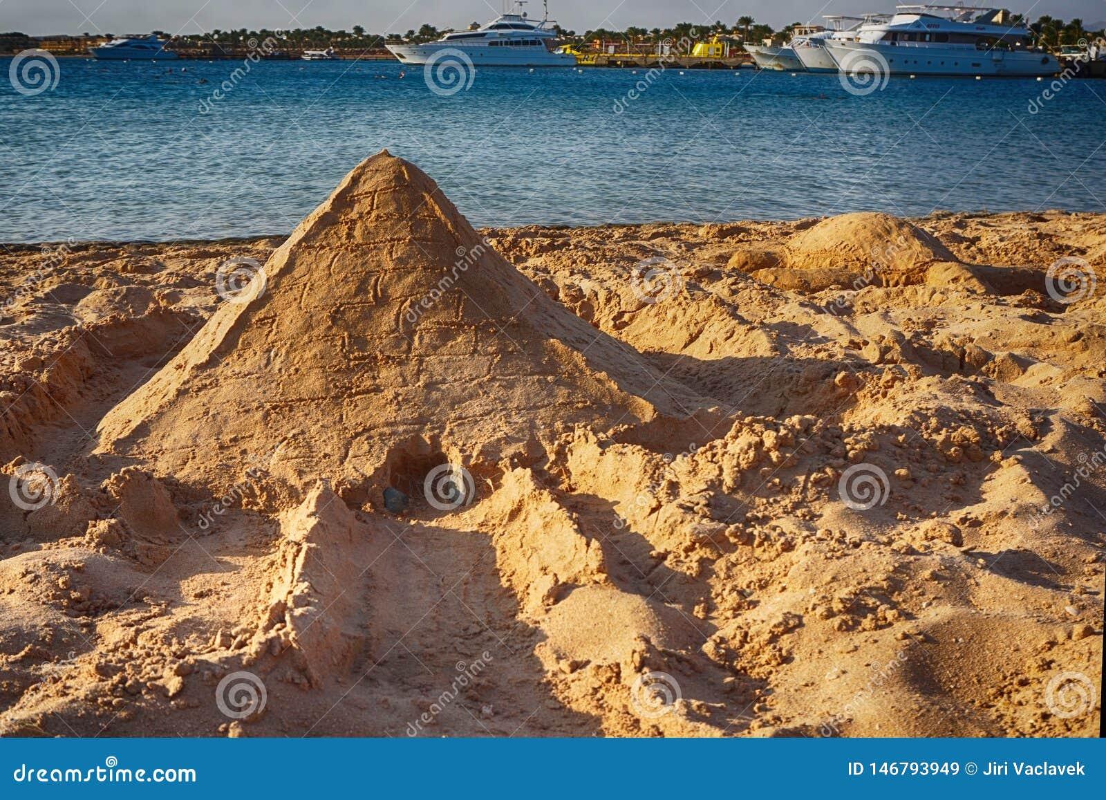 Pyramide du sable