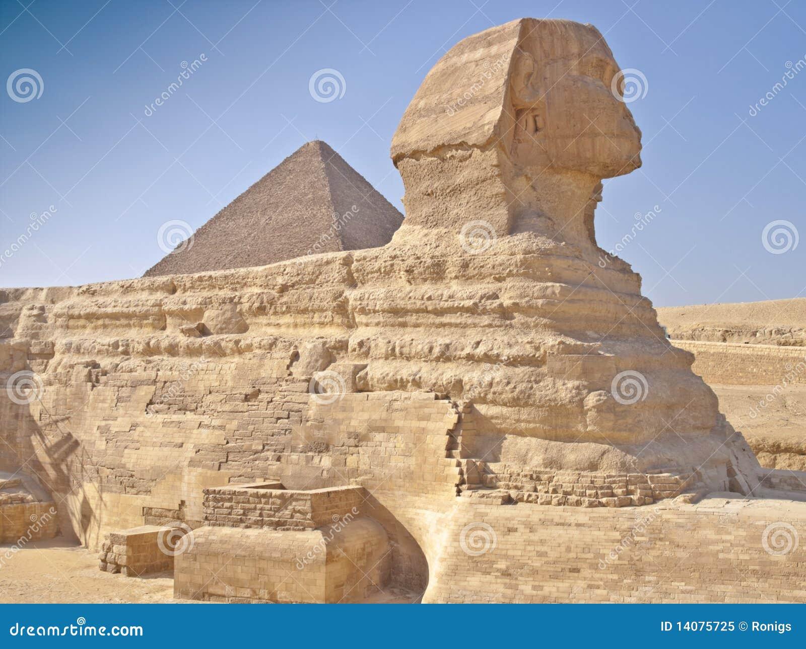 Pyramiden in Giza Kairo Ägypten und die Sphinx