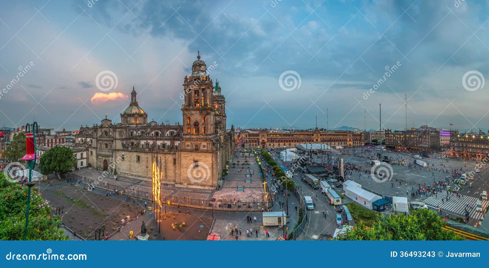 Quadrado de Zocalo e catedral metropolitana de Cidade do México