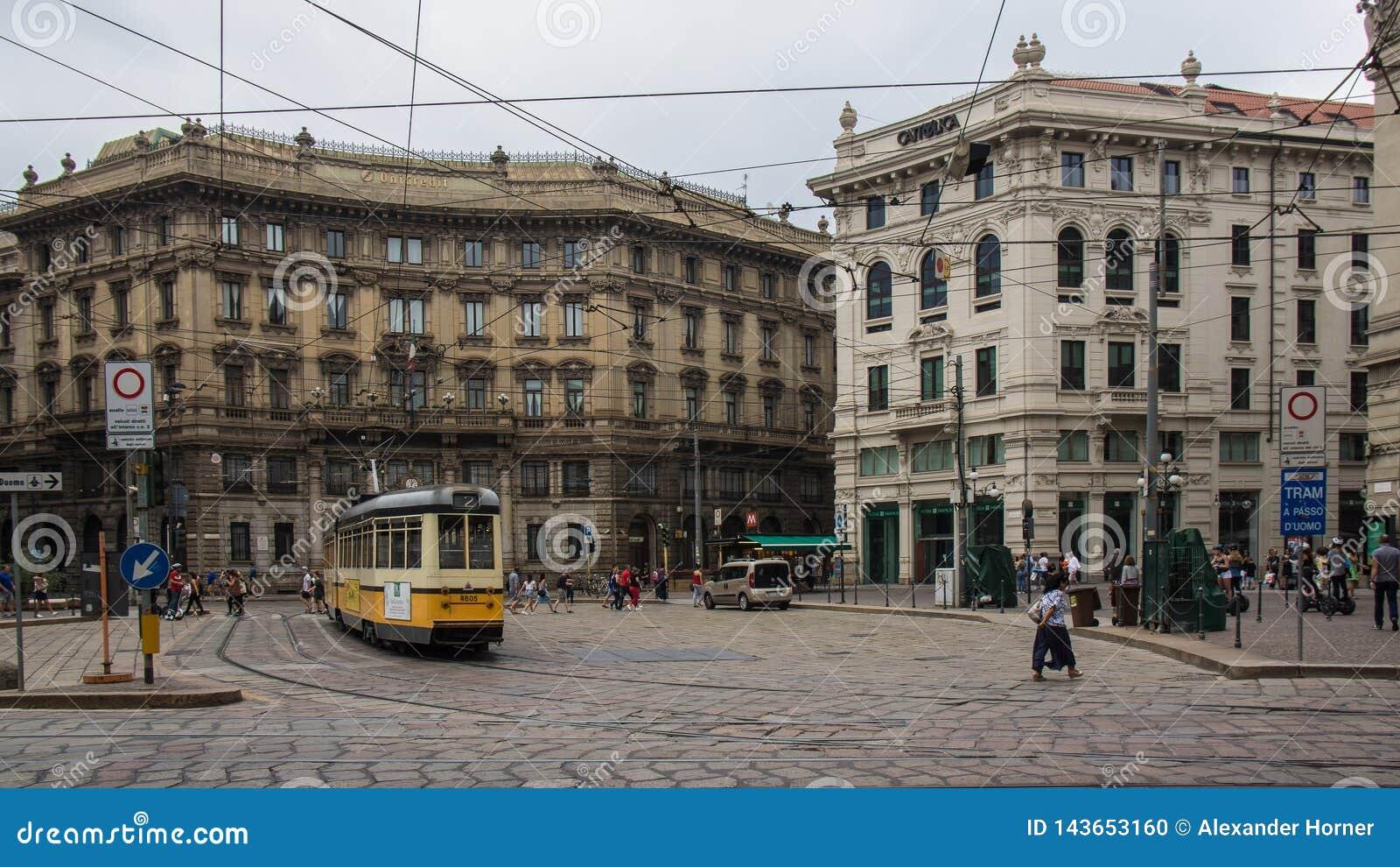 Quadrado urbano do cruzamento do bonde
