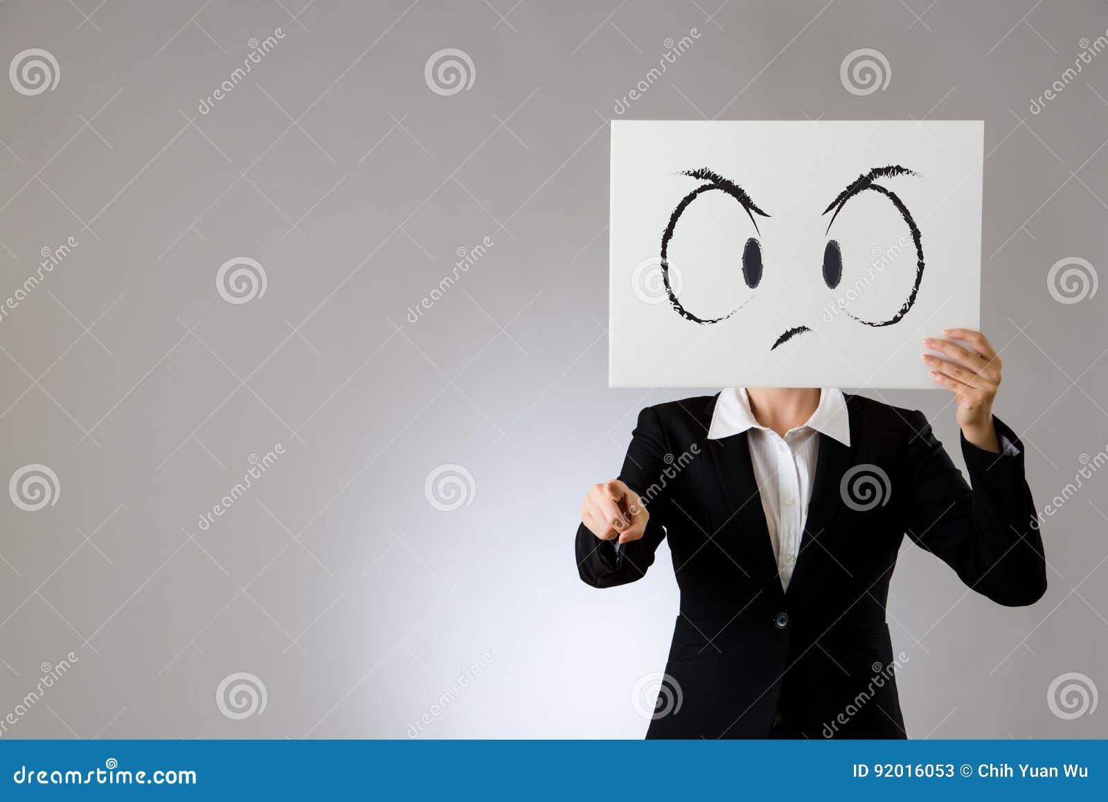 Quadro de avisos infeliz da cara com apontar o dedo