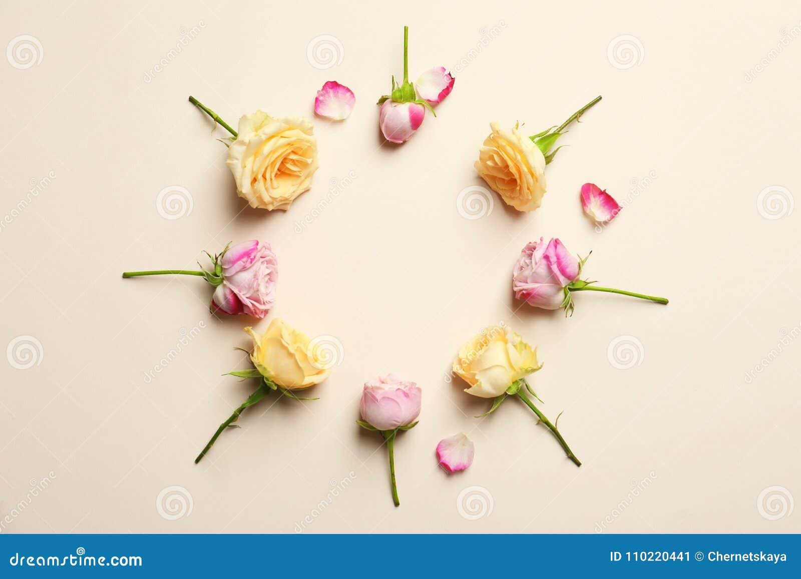 Quadro do círculo feito com rosas