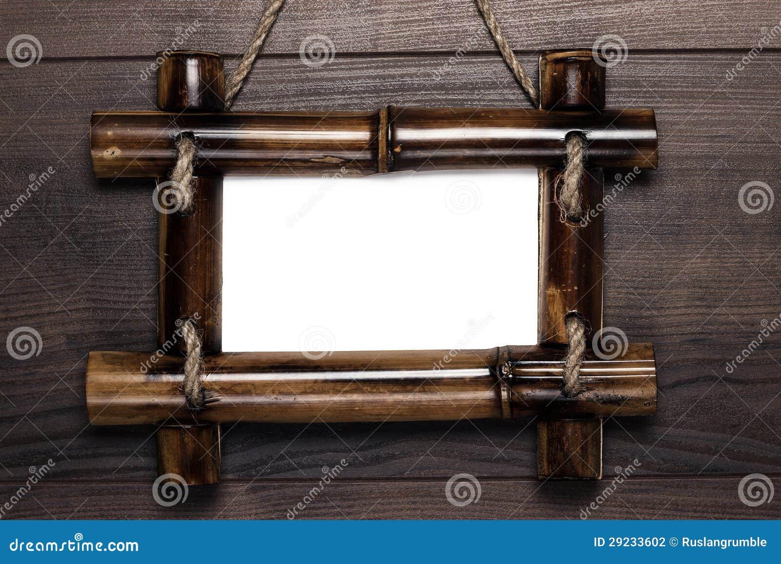 Download Quadro Vazio Com O Espaço Da Cópia Que Pendura Na Parede De Madeira Foto de Stock - Imagem de branco, material: 29233602
