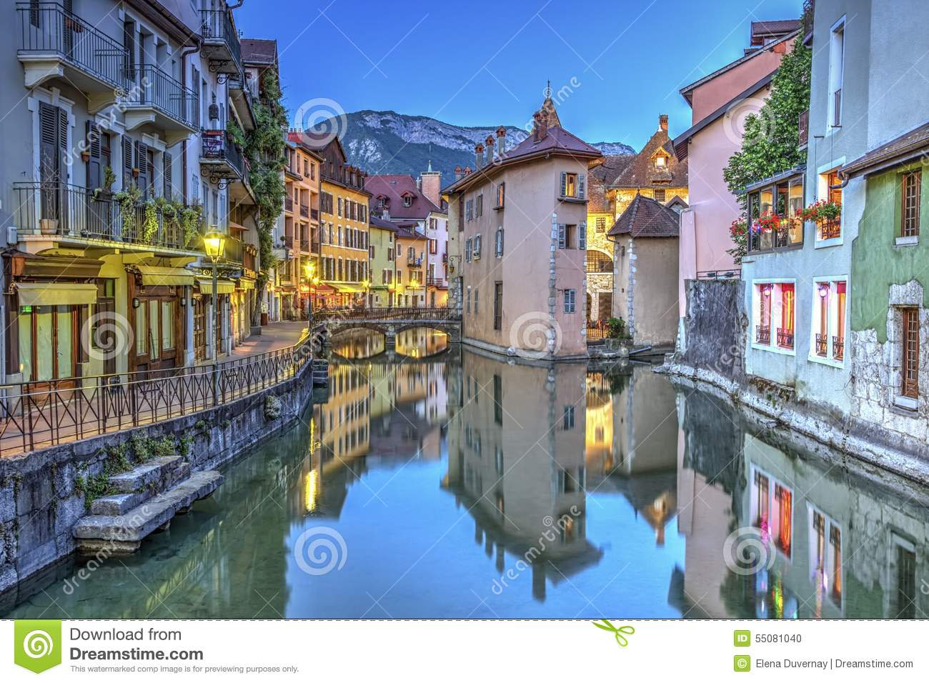 quai de l 39 ile en kanaal in annecy oude stad frankrijk stock foto afbeelding 55081040. Black Bedroom Furniture Sets. Home Design Ideas