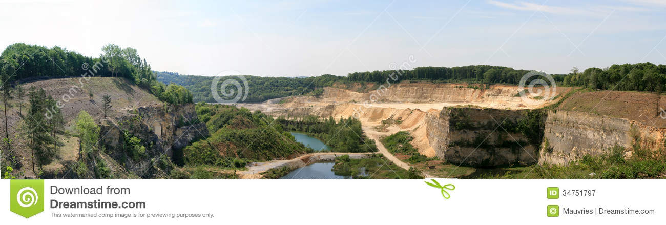 http://thumbs.dreamstime.com/z/quarry-panorama-maastricht-limburg-holland-34751797.jpg