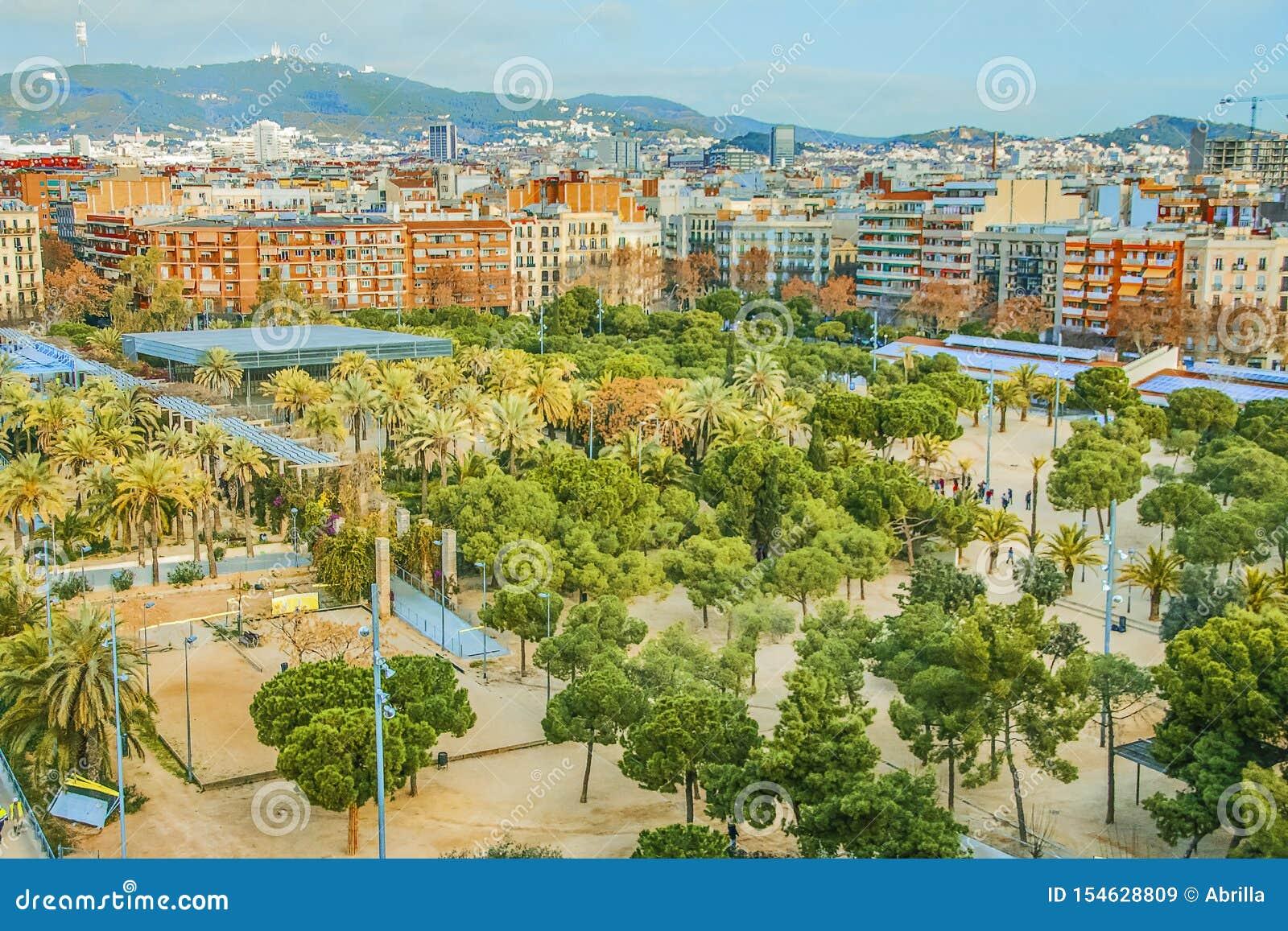Quart et aire de loisirs résidentiels à Barcelone, Espagne Vue de Joan Miro Park