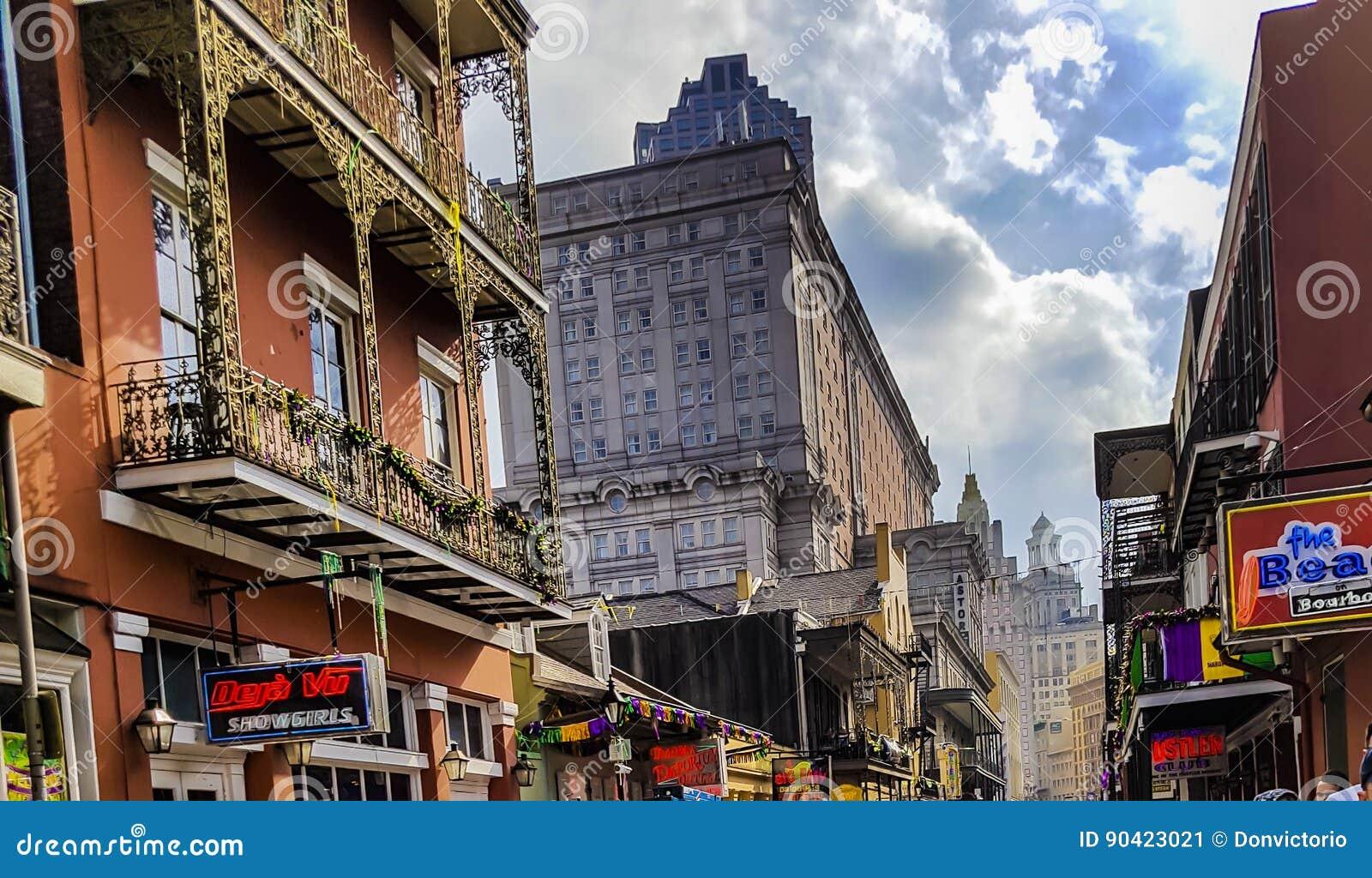 Quartier français célèbre à la Nouvelle-Orléans après Mardi Gras