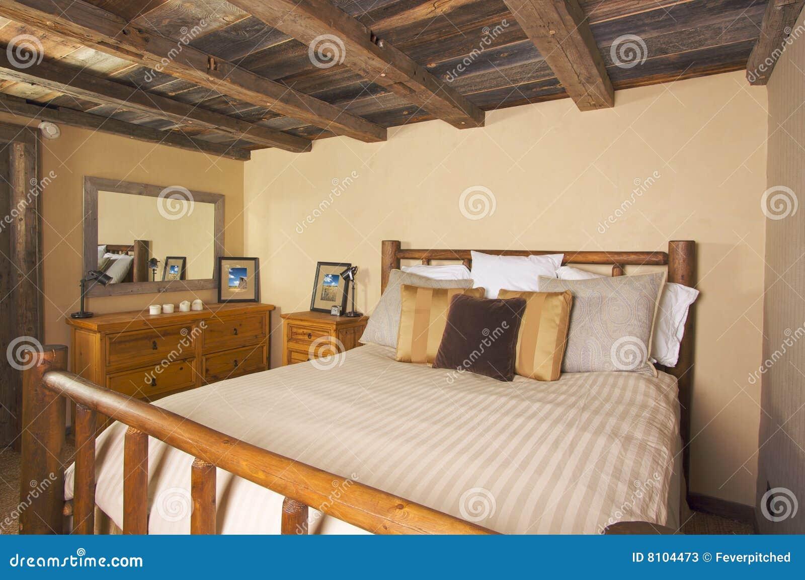 Quarto r stico luxuoso da cabine de registro imagem de stock imagem de madeira f rias 8104473 - Camera da letto rustica moderna ...