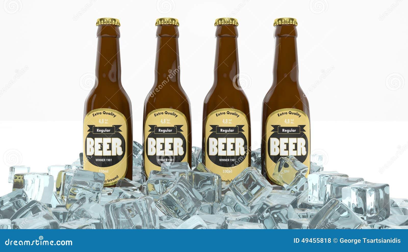 Quatre bouteilles en verre de bière