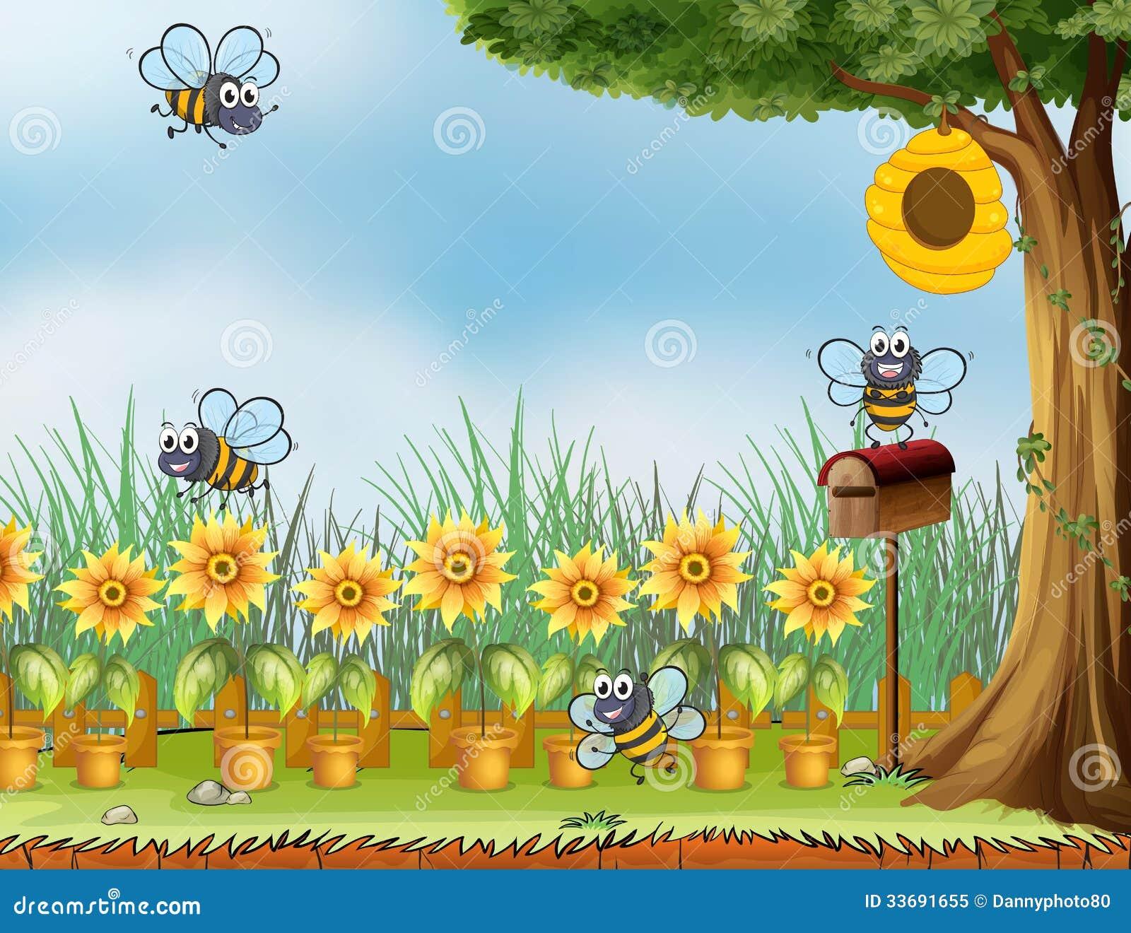 quatro abelhas no jardim foto de stock royalty free