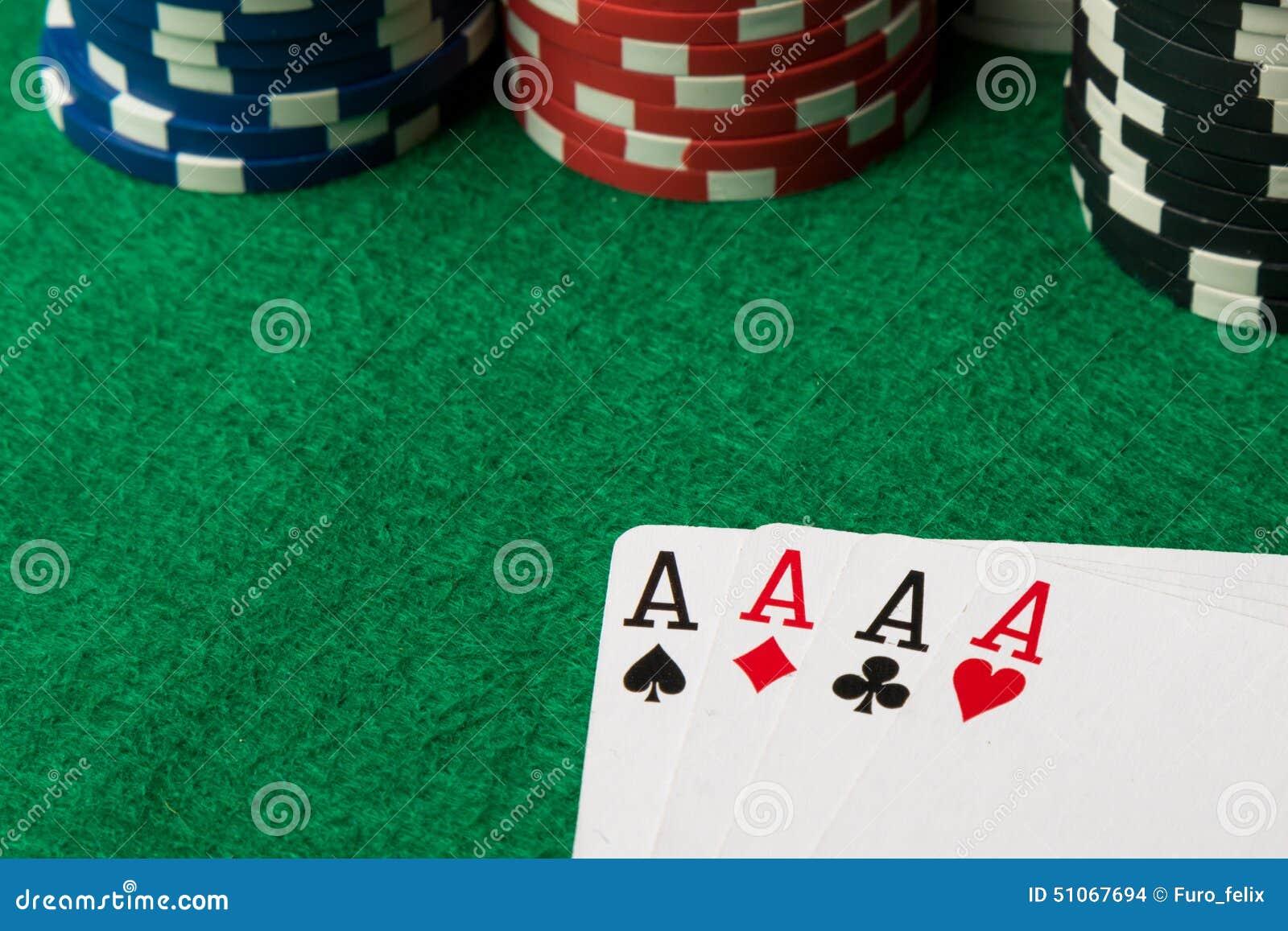 Quatro de áss de uma mão de pôquer do tipo