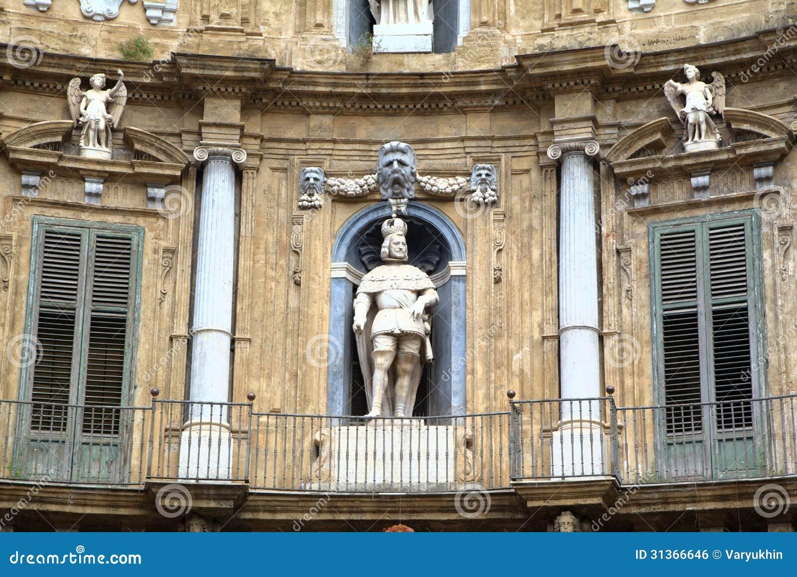 Quattro Canti, Chambres baroques à Palerme.