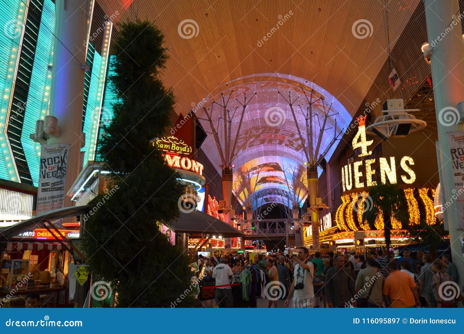 Quattro Queens, hotel di Fremont e casinò, esperienza della via di Fremont, punto di riferimento, città, spazio pubblico, bazar