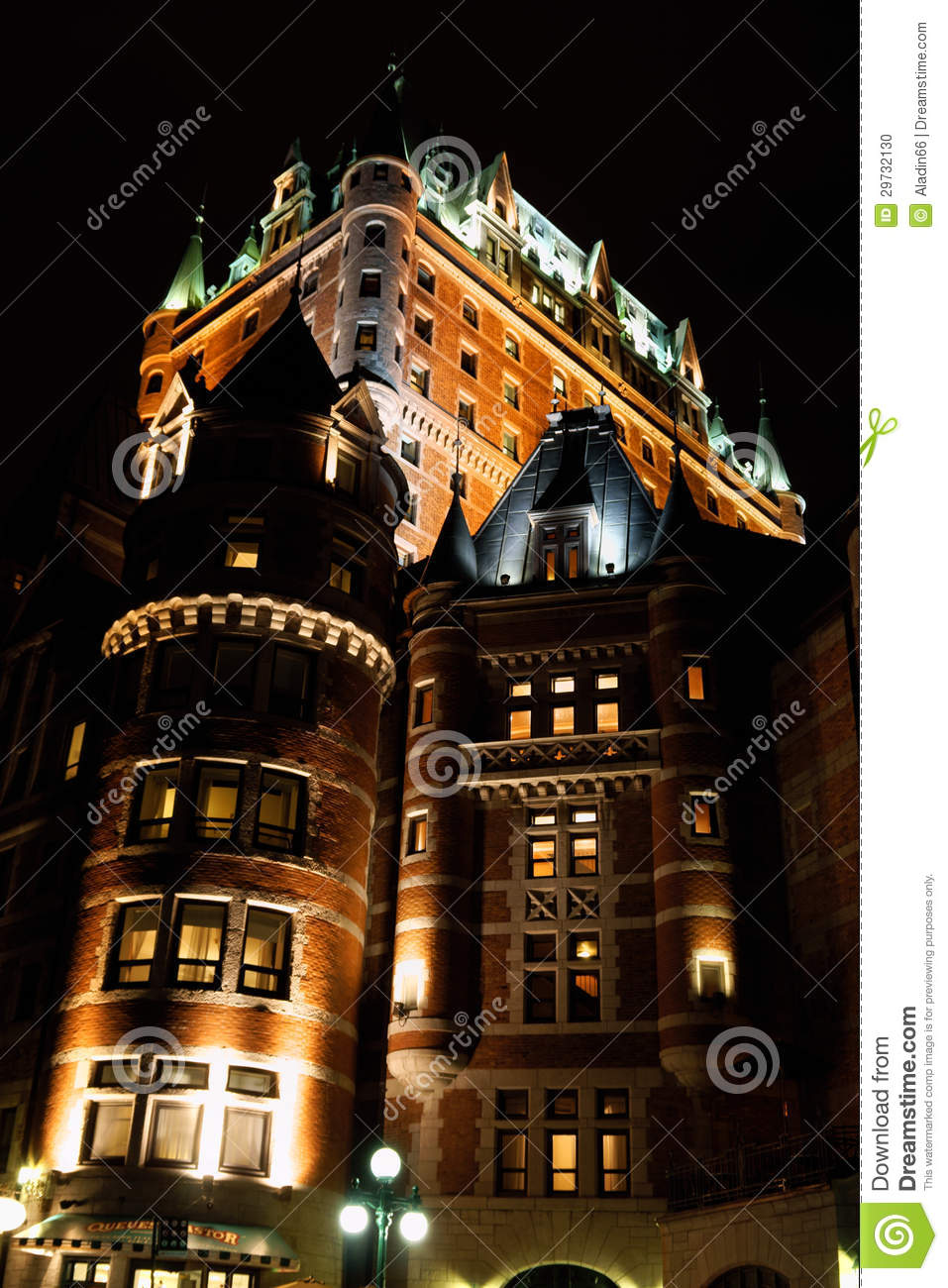 Chateau frontenac hotel in quebec city by night editorial for Design hotel quebec city