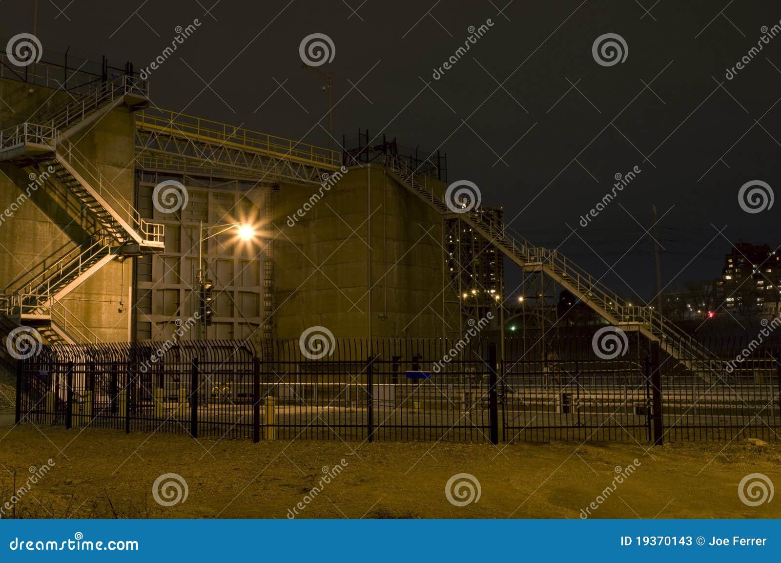 Quedas fechamento de Anthony de Saint e fachada da represa