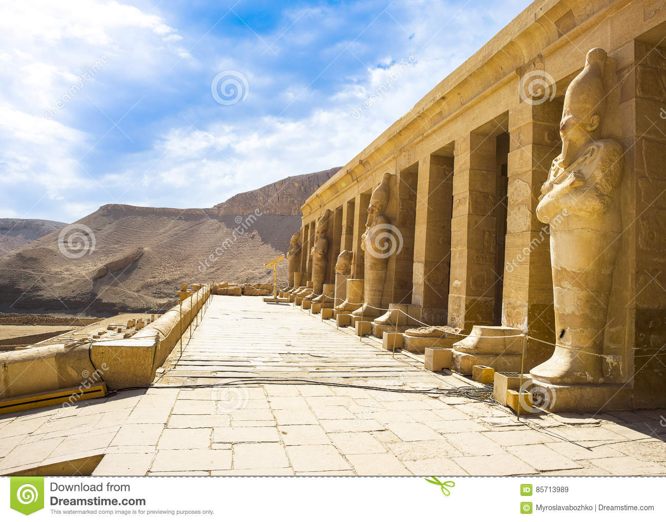 an introduction to the egyptian temple of queen hatshepsut Queen hatshepsut: how should history  hatshepsut was one of the greatest egyptian pharaohs  trade with other countries also led to the introduction of new ideas.