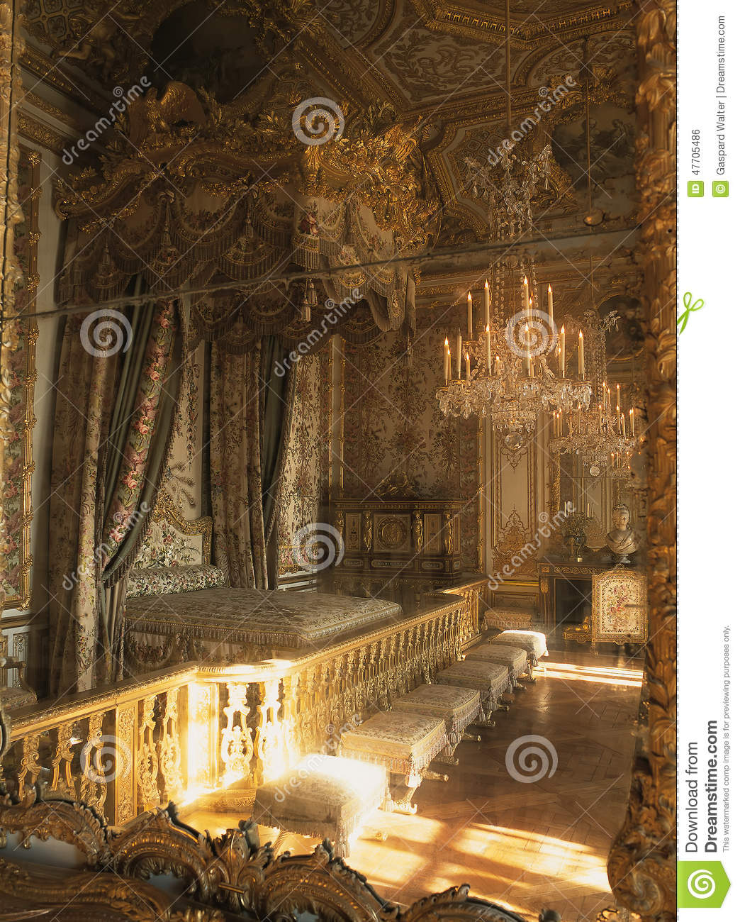 Incredible Queen Marie Antoinette Bedroom Reflection In Mirror At Interior Design Ideas Apansoteloinfo
