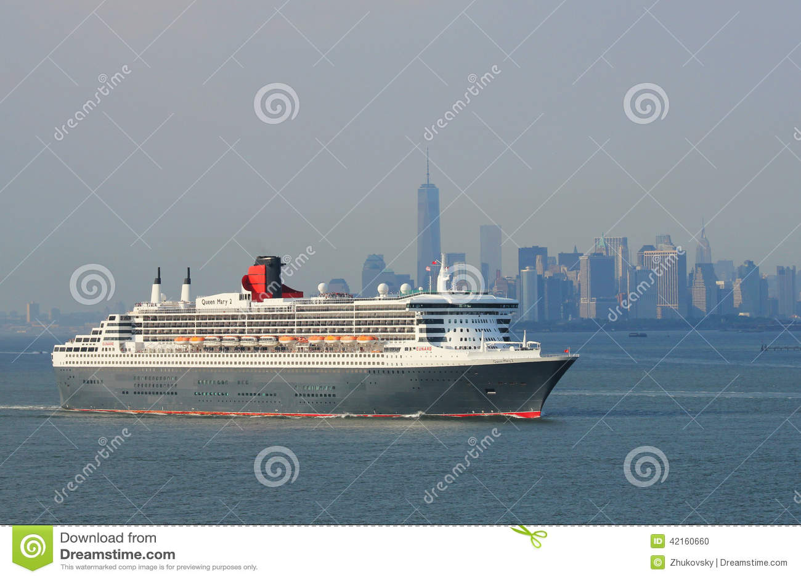 Queen Mary 2 cruiseschip in de Havenrubriek van New York voor Canada en New England