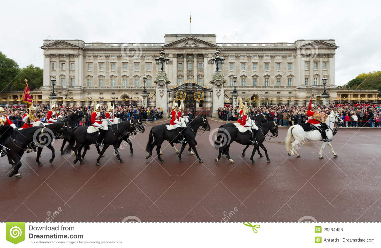 Queen's Royal Horse Guards Ride Past Buckingham Palace ...  Queen's Roy...