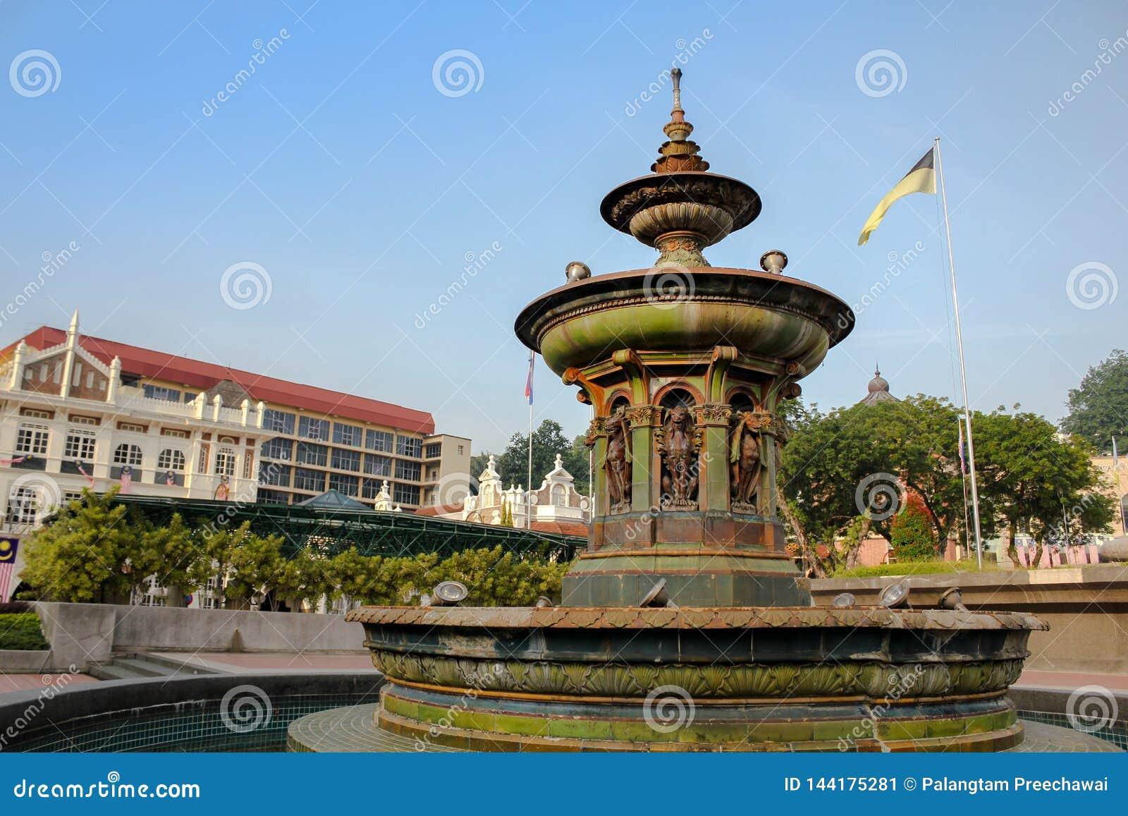 Queen Victorias Fountain - GoWhere Malaysia