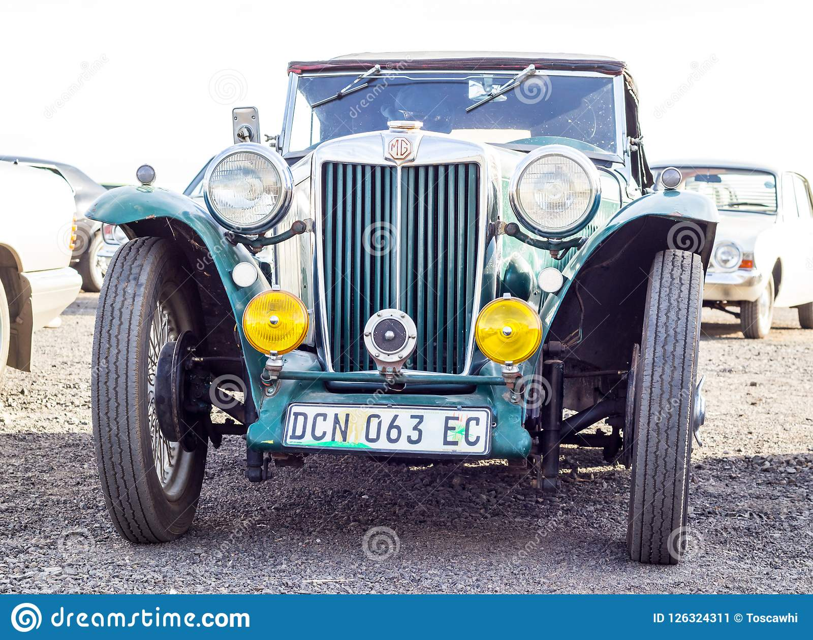 Queenstown, África do Sul, o 17 de junho de 2017: Vehic clássico de MG do vintage