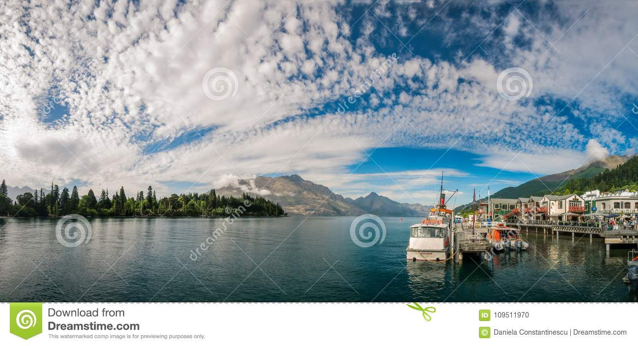 Glolious Morning in Queenstown Harbour,
