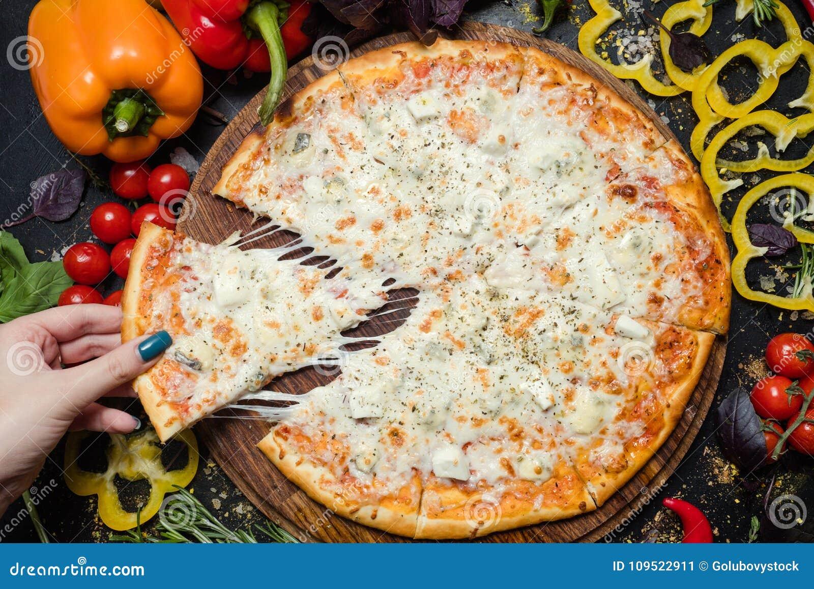 Queijo derretido da pizza da refeição fatia italiana nacional