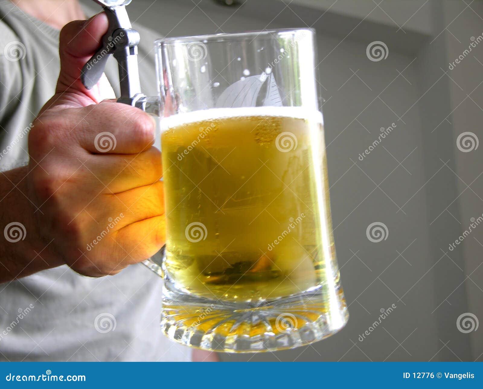 Queira alguma cerveja?
