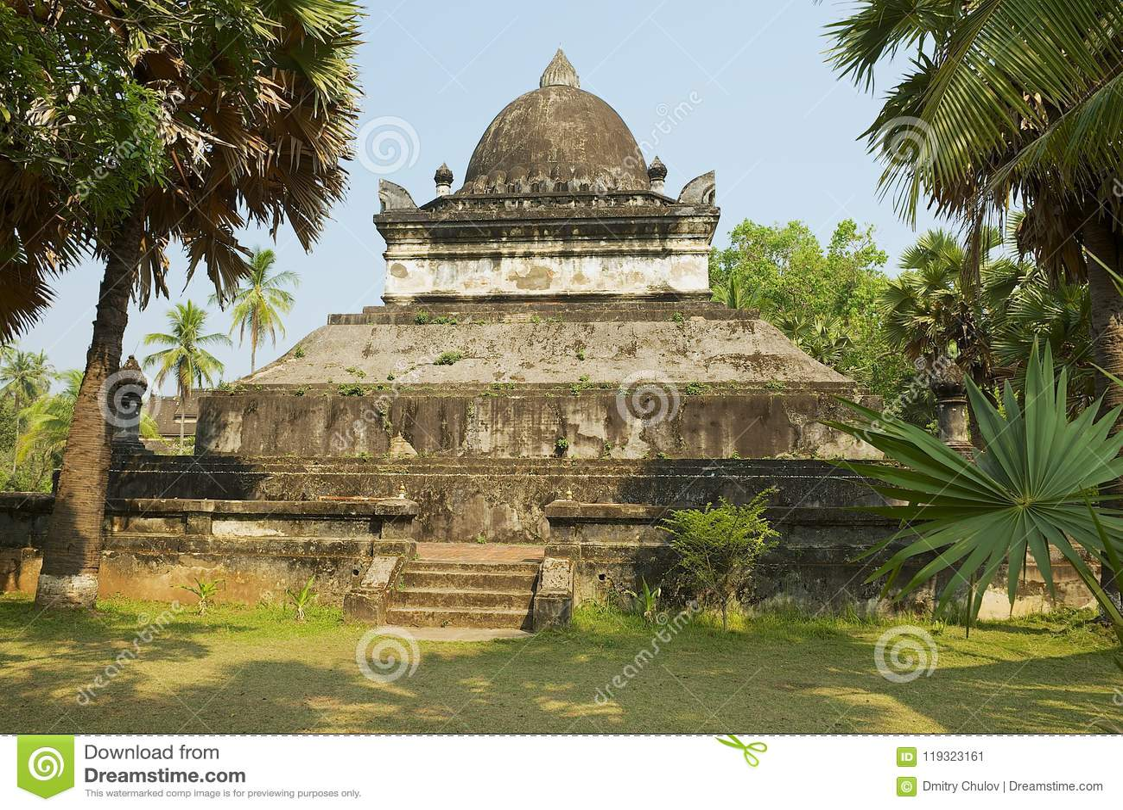 Quello stupa di Mak Mo al tempio di Wat Visounnarath in Luang Prabang, Laos