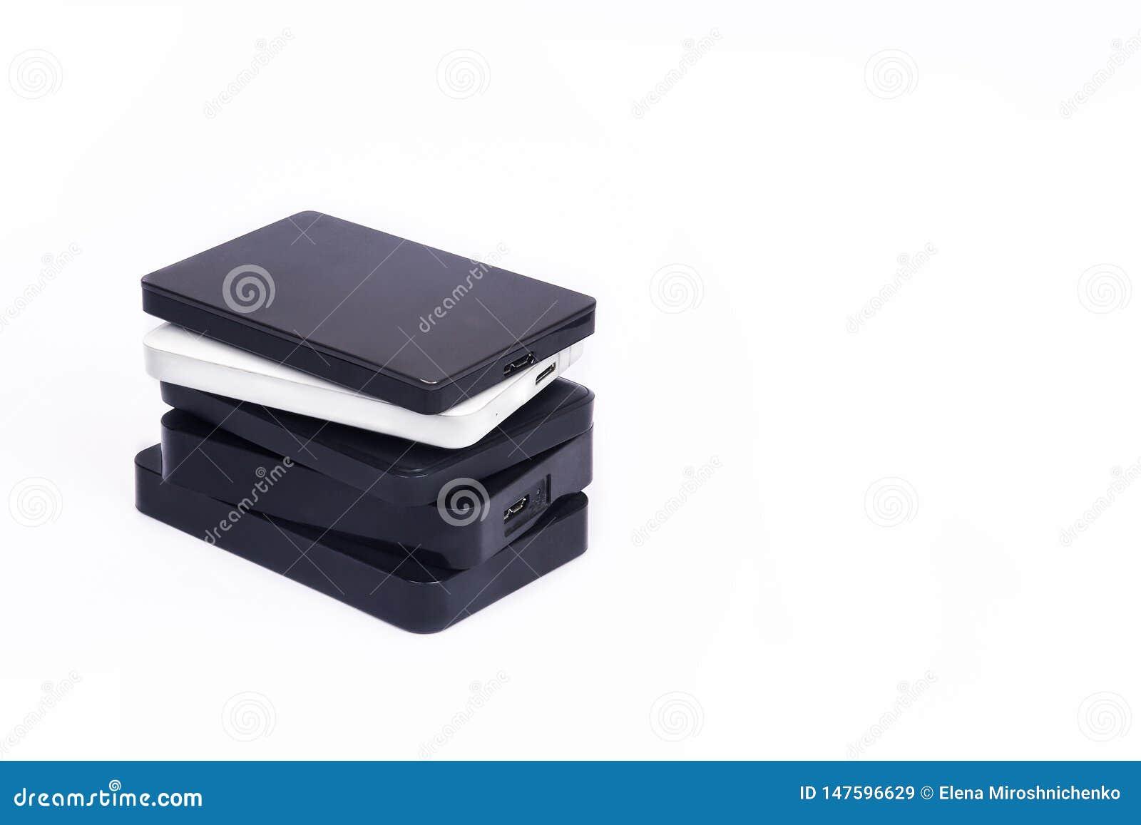 Quelques unit?s de disque dur externes pour stocker des donn?es, des supports et des informations de s?curit?