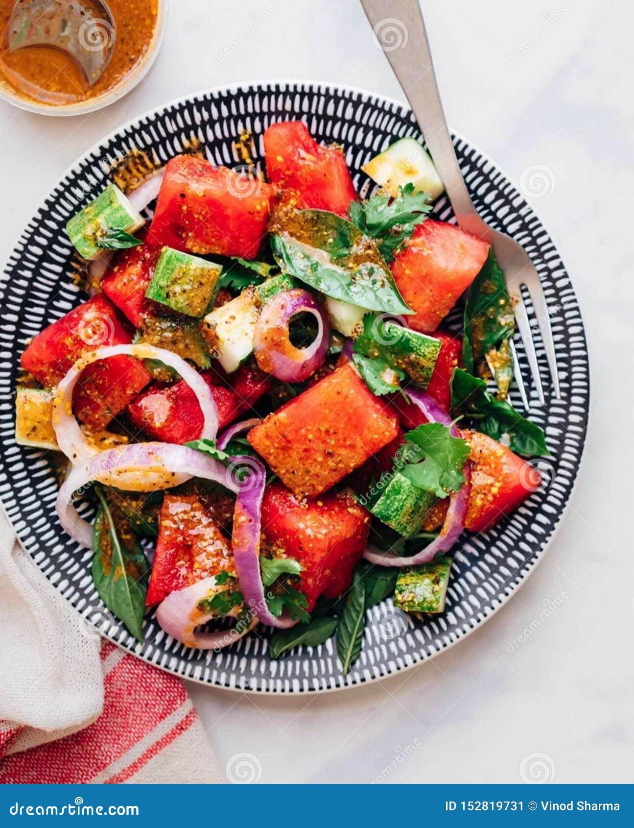 Quem é mais em saladas da melancia agora?